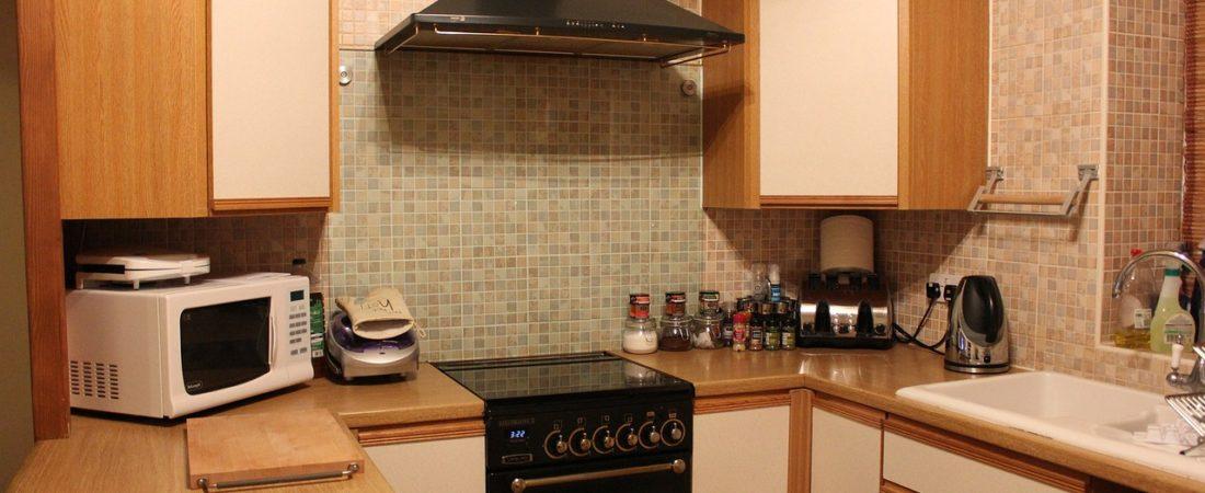 Mikrowelle ohne Drehteller in der Küche